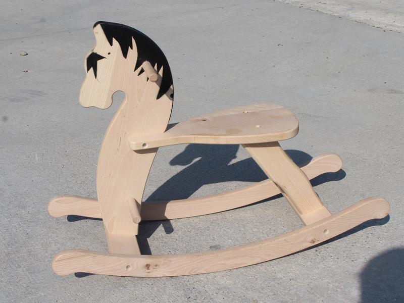 Cavallo A Dondolo Artigianale.Cavalli A Dondolo In Legno Produzione Vendita Giocattoli