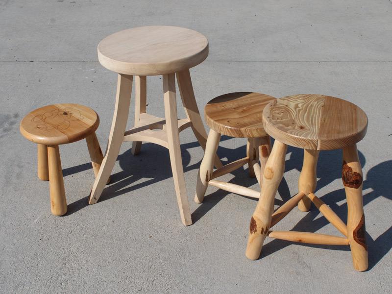 Produzione vendita sgabelli in legno lavorazioni al tornio