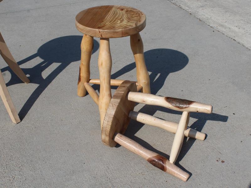 Sgabelli in legno torneria bolis damiano